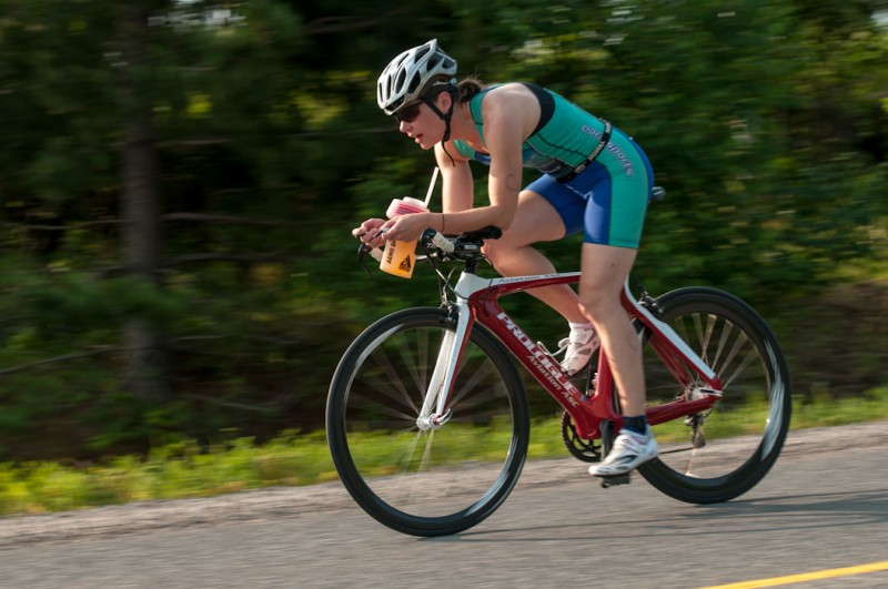 Jane Yardley, riding her way to a 3rd finish overall in the women's division