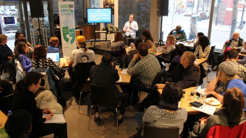 Dan Lett facilitating the CNC Advanced Writing workshop at the Winnipeg Free Press Cafe.