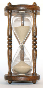 150px-Wooden_hourglass_3