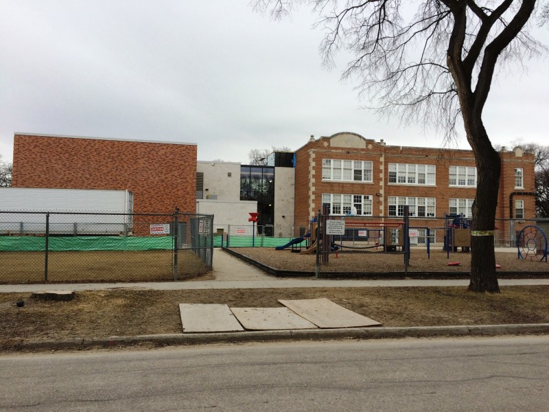 Queenston School showing the new gymnasium building on the left.