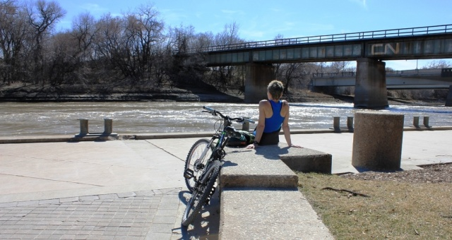 Green commuter takes a moment to enjoy the sites. PHOTO: Greg Petzold