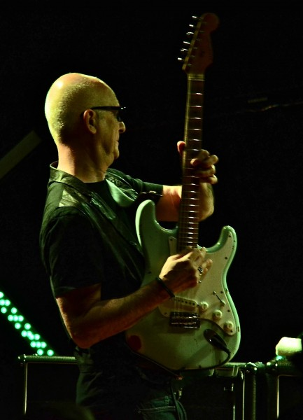 Kim Mitchell is very innovative on his guitar