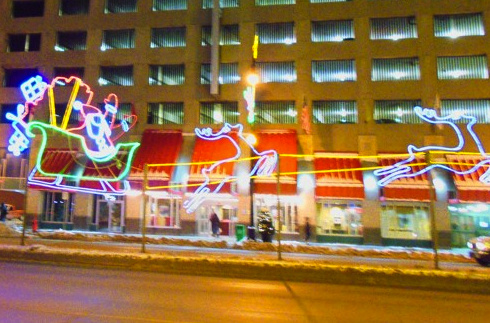 Santa and his sled on the median on Portage Ave. PHOTO: Anne Hawe