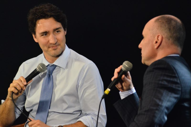Free Press Editor Paul Samyn interviews the Prime Minister. /DOUG KRETCHMER