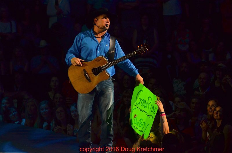 The fans at MTS Centre showed Garth Brooks a lot of love. /DOUG KRETCHMER