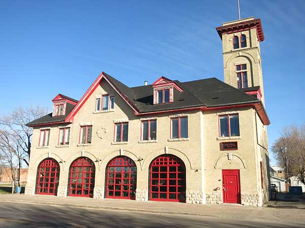 Old Firehall #8 in Elmwood hosts one-of-a-kind theatrical production.