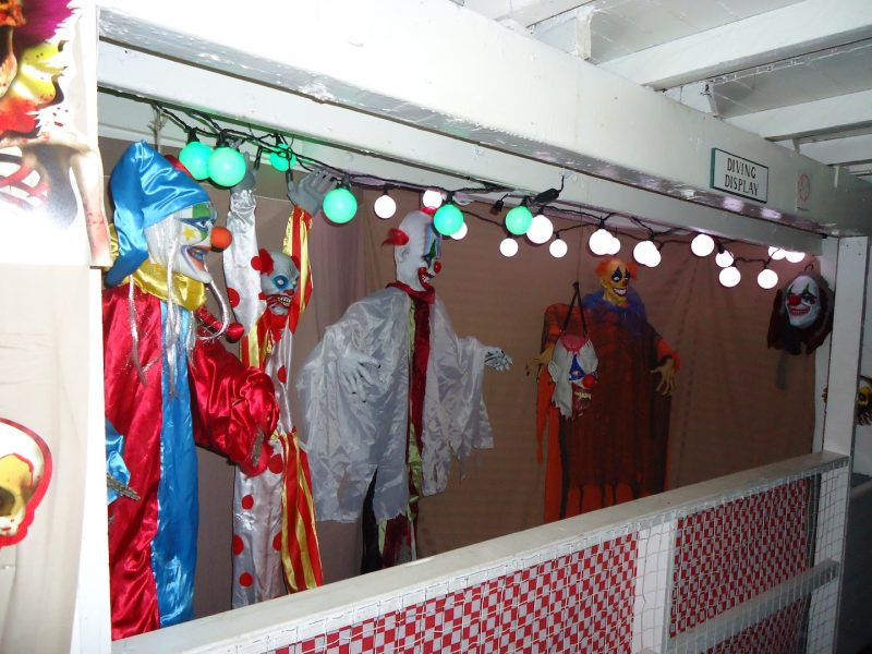 clown-display-2nd-from-left-activates-creepily