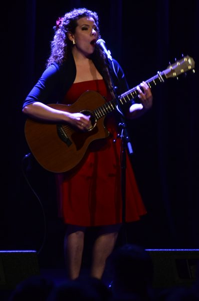 """Alexis Normand broke her first string at this show. a real """"rock'n'roll moment"""""""