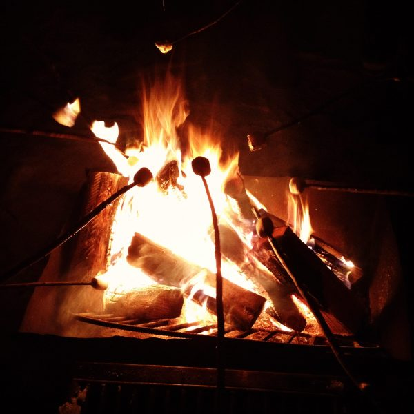 Roasting marshmallows after the concert. /ANNE MARTIN