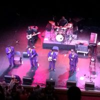Local acts deliver great performances in opening for legendary singers