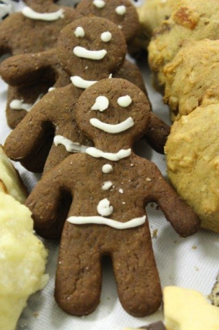 March of the gingerbread men.<br /><em>Submitted by M. LeBlanc</em>