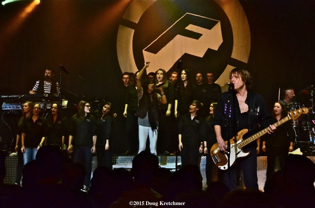 Foreigner played the 2nd of two sold out shows at Club Regent last night, as Collège Pierre-Elliot-Trudeau Choir sang \'I Want To Know What Love Is\' <br /><em> by Doug Kretchmer </em>
